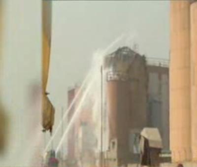 کراچی کے کیماڑی آئل ٹرمینل میں لگنے والی آگ پر 3 روز قابو پالیا گیا