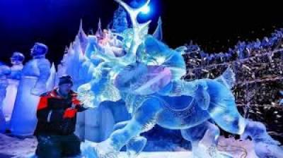 بیلجیئم میں برف سے مجسمہ سازی کا سالانہ میلہ شروع