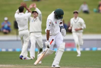 پاکستان کی بیٹنگ لائن اپ خزاں کی پتوں کی طرح بکھرگئی۔ ایسا حواس باختہ ہوئے کہ پھر سنبھل نہ سکے۔