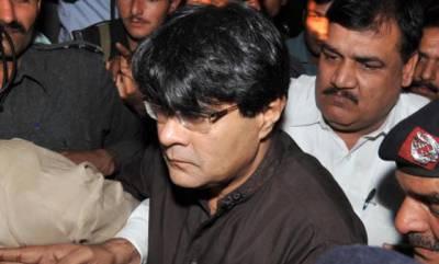 کراچی کے علاقے محمد علی سوسائٹی میں زیر تعمیر عمارت سے مبینہ طور پر گرکر معروف بزنس مین جاوید خانانی ہلاک ہوگئے