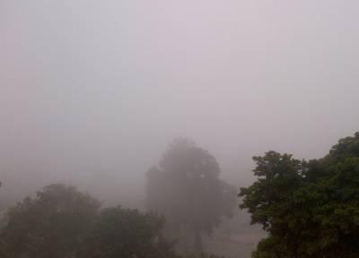 آئندہ چوبیس گھنٹے کے دوران کے پی، بالائی پنجاب اور گلگت بلتستان میں کہیں کہیں بارش اور پہاڑوں پر برفباری کا امکان ہے۔
