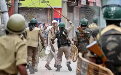 مقبوضہ کشمیر: بھارتی فوج کے نہتے کشمیریوں پر مظالم کا سلسلہ جاری, جھڑپوں میں 2 مجاہدین شہید