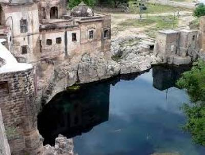 چکوال کا تاریخی قلعہ کٹاس آج بھی سیاحوں کی توجہ کا مرکز ہے