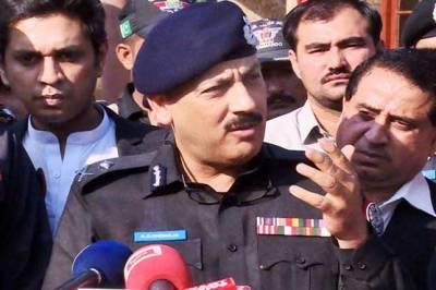 آئی جی سندھ اے ڈی خواجہ رخصت پر چلے گئے، ایڈیشنل آئی جی مشتاق مہر کو سندھ پولیس کا چارج دے دیا گیا