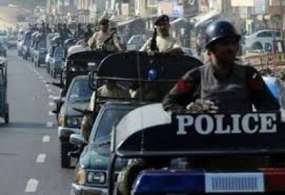 کراچی کے مختلف علاقوں میں رینجرز نے ٹارگٹڈ کارروائیاں کرتے ہوئے5 ملزمان کو گرفتار کر لیا