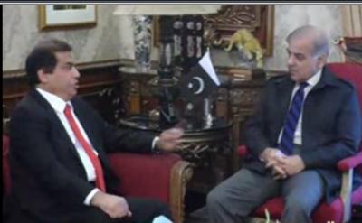 وزیراعلی شہباز شریف سے مسلم لیگ ن کے رہنماء حنیف عباسی نے ملاقات کی