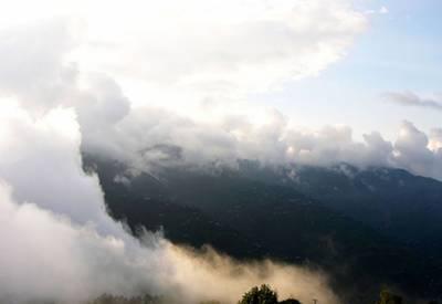 مالاکنڈ،گلگت بلستان میں ہلکی بارش،پہاڑوں پر برفباری کا امکان، سردی کی شدت میں اضافہ ہوسکتا ہے۔ محکمہ موسمیات