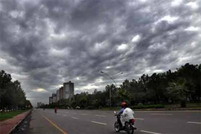 مغرب سے آنے والی سرد ہواؤں نے کراچی میں پراؤ ڈال لیا۔