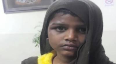 اسسٹنٹ کمشنر اسلام آباد کیپٹن ریٹائرڈ شعیب علی نےسویٹ ہوم میں متاثرہ بچی طیبہ سے بغیر اجازت ملاقات پر پابندی عائد کر دی