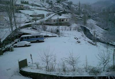 محکمہ موسمیات نے آج سے ملک کے مختلف حصوں میں مزید بارش اور پہاڑوں پر مزید برفباری کی بھی پیشگوئی کردی۔