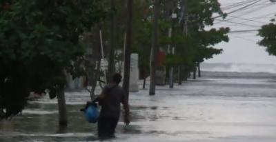 کیوبا میں تیز ہواؤں کے بعد سمندر میں زبردست لہریں پیدا ہو گئیں