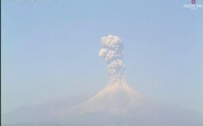 میکسیکو میں کولیما آتش فشاں ڈرامائی انداز سے پھٹ پڑا