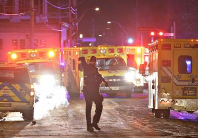 کینیڈا کے شہر کیوبیک میں مسلح افراد کی مسجد میں فائرنگ کے نتیجے میں پانچ افراد شہید