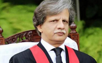 سپریم کورٹ کے جج جسٹس شیخ عظمت سعید کو دل کی تکلیف کے باعث راولپنڈی انسٹی ٹیوٹ آف کارڈیالوجی منتقل کیا گیا