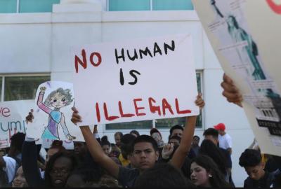 ٹرمپ کے تارکین وطن پر پابندیوں کے خلاف چوتھے دن بھی لوگ سراپا احتجاج بنے رہے،