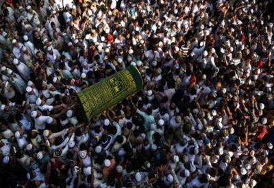 میانمار میں مقتول مسلمان وکیل کے جنازے میں ہزاروںافراد کی شرکت