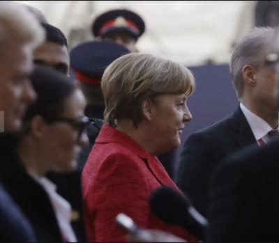 فرانسیسی صدر فرانسوا اولاند نےیورپ سے متعلق ٹرمپ کے بیان کی شدید مذمت کردی