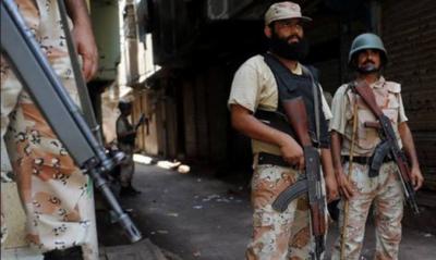 کراچی میں سندھ رینجرز نے مختلف لاقوں میں کارروائیاں کرتے ہوئے سیاسی جماعت سے تعلق رکھنے والے دو ملزمان گرفتار کرلیا
