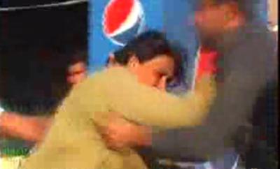 لاہور کے علاقے شاہدرہ میں چند روز قبل احتجاج کرنے والی خواتین پر پولیس تشدد کی فوٹیج منظر عام پر آ گئی۔