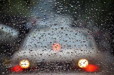 لاہور میں ہونے والی موسلادھار بارش نے ٹھنڈ کی شدت میں اضافہ کردیا،