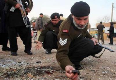 باجوڑ ایجنسی: گاڑی پر ریموٹ کنٹرول بم حملہ،1 بچہ جاں بحق،3 بچوں سمیت 5 افراد زخمی
