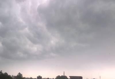 لاہورسمیت پنجاب، خیبرپختونخوا، فاٹا، کشمیر اور گلگت بلتستان کے اکثر مقامات پر بادل برسیں گے۔