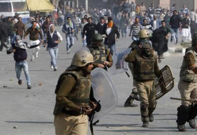 کشمیری تن تنہا ہندوستانی قابض فوج اوراس کےایجنٹوں کا مقابلہ کررہے ہیں۔ محمد فاروق رحمانی