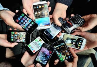 سیلفی کے بخار اور ویڈیو چنٹنگ نے پاکستان کو کروڑوں ڈالر کےموبائل خریدنے والا ملک بنا دیا۔
