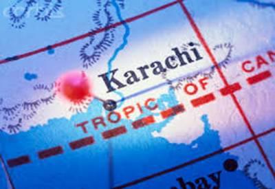 ٹھٹھہ میں ٹریفک حادثے کے زخمیوں کوہسپتال منتقل کرنے والی4 ایمبولینس شاہراہ فیصل پرآپس میں ٹکرا گئیں۔