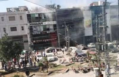 لاہور میں بم دھماکا ہوا یا سلنڈر پھٹا, تفتیشی حکام کے بدلتے بیانات نے عوام کو چکرا کر رکھ دیا