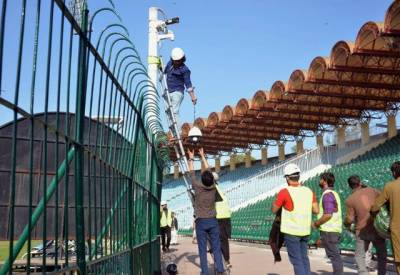 پاکستان سپر لیگ کا فائنل لاہور میں ہوگا یا نہیں کرکٹ کے جنونی فیصلے کیلئے بے قرار۔