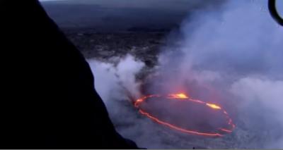 امریکی ریاست ہوائی میں آتش فشاں پھٹنے کے نتیجے میں لاوے نے بڑے جزیرے کو اپنی لپیٹ میں لے لیا