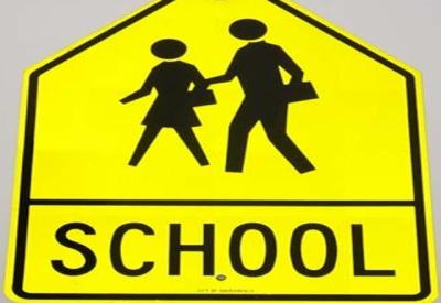 نئے تعلیمی سال کے آغاز پر پرائیویٹ سکولوں کے بہت زیادہ تعلیمی اخراجات سے والدین پریشانی