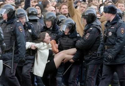 روس: صدرکی کرپشن کے خلاف ہزاروں شہری سڑکوں پر نکل آئے۔