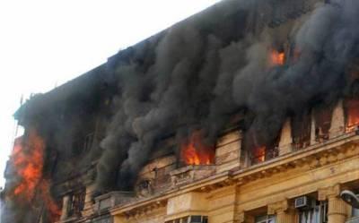بھارتی شہر کولکتا میں امریکی قونصلیٹ کے قریب ہوٹل میں آگ بھڑک اٹھی