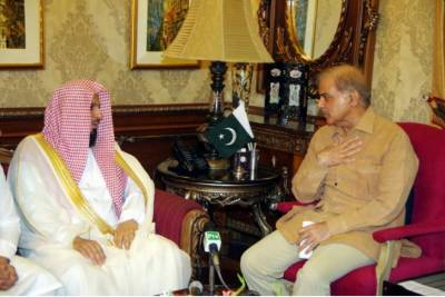 امام کعبہ شیخ صالح بن محمد سے وزیراعلیٰ پنجاب شہباز شریف نے ملاقات کی