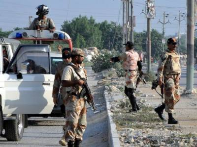 رینجرز سندھ کی شہر کے مختلف علاقوں میں کارروائیاں 6ملزموں کوگرفتارکرلیا،غیرقانونی اسلحہ، گولیاں اورمسروقہ سامان برآمد