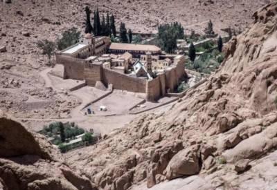 مصر: عیسائی عبادت گاہ کے قریب فائرنگ میں پولیس اہلکار ہلاک ،3 زخمی