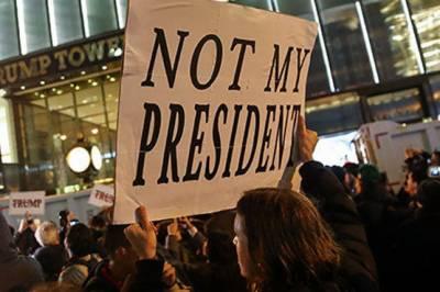 امریکہ میں ٹرمپ انتظامیہ کے سو دن مکمل ہونے پر ہزاروں لوگ سڑکوں پر نکل آئے