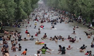 موسم کی انکھ مچولی کے بعد لاہور میں گرمی کی شدت میں اضافہ ہو گیا۔