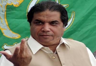 تحریک انصاف کے چئیرمین بابائے آف شور ہے۔ حنیف عباسی