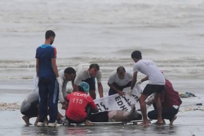 کراچی میں گزشتہ روز ہاکس بے میں ڈوبنے والے چار لوگوں میں سے چوتھے شخص کی لاش بھی نکال لی گئی