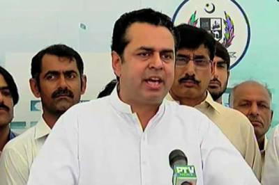 طلال چوہدری نے عمران کو سخت تنقید کا نشانہ بنایا، کہتے ہیں کہ خان صاحب کے مطابق ان کے علاوہ تمام لوگ چور اور کرپٹ ہیں