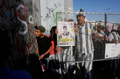 اسرائیلی جیلوں میں زیر حراست فلسطینی قیدیوں نے بھوک ہڑتال ختم کردی۔