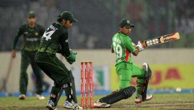 چیمپئنزٹرافی کےوارم اپ میچ میں پاکستان نے بنگلہ دیش کو دو وکٹوں سے شکست دےدی