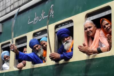 بھارت نے سکھ یاتریوں کو پاکستان آنے کی اجازت دینے سے انکار کردیا۔