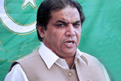 عمران خان ٹویٹ ٹویٹ کھیلنا بند کرو ، حنیف عباسی