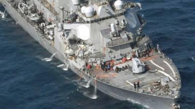 امریکہ کا جنگی جہاز ایک تجارتی بحری جہاز سے ٹکرا گیا،