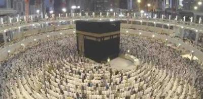 مسجد الحرام اور مسجد نبویؐ میں نماز عیدالفظر کے سب سے بڑے اجتماعات