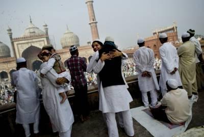 ملک کے تمام شہروں میں عید الفطر پور ے مذہبی احترام اور جوش کیساتھ منائی جارہی ہے